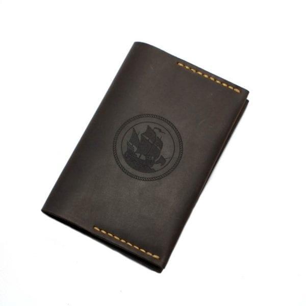Brown handmade leather passport holder by Luniko