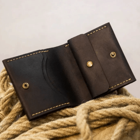 Brown leather handmade men's wallet with coin pocket by Luniko