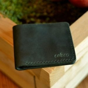 Classic dark green leather wallet from Cebro series