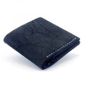 Dark blue men's handmade leather wallet by Luniko. Maritime Series