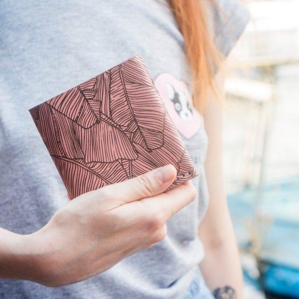 Ręcznie robiony różowy damski portfel skórzany uszyty ręcznie z naturalnej włoskiej skóry