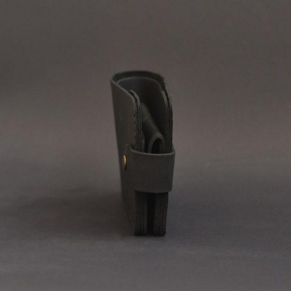 Portfel czarny męski skórzany z zapięciem ręcznie szyty Luniko