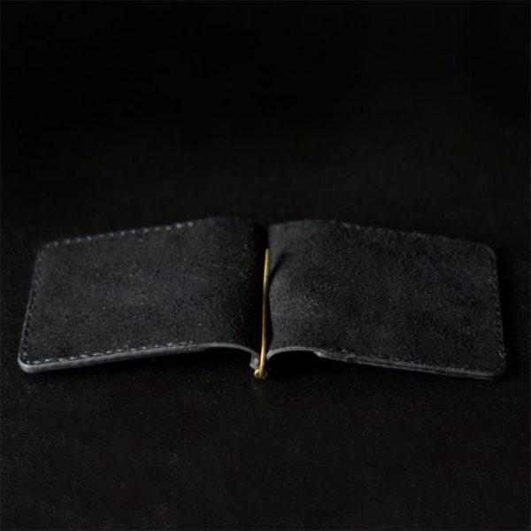 Skórzany męski portfel z klipsem na banknoty, grawerowany. Czarna ręcznie robiona banknotówka, skóra naturalna Luniko