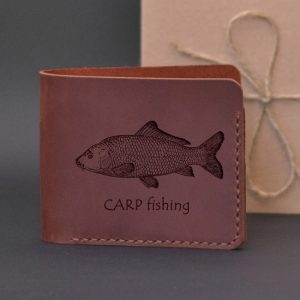 Portfel skórzany na prezent dla wędkarza z grawerewm Carp fishing Karpiarstwo Portfel ręcznie robiony ze skóry