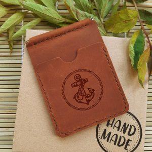 Ręcznie robiony skórzany portfel z klipsem na banknoty i kieszeniami na karty kredytowe Kotwica. Prezent dla marynarza