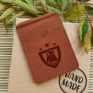Skórzany portfel z klipsem na pieniądze i kieszeniami na karty kredytowe. Grawerowanie laserowe Boks. Ręcznie robiony prezent dla boksera i fana boksu